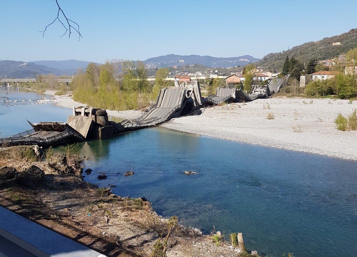 ponte crollato ANAS ad Aulla